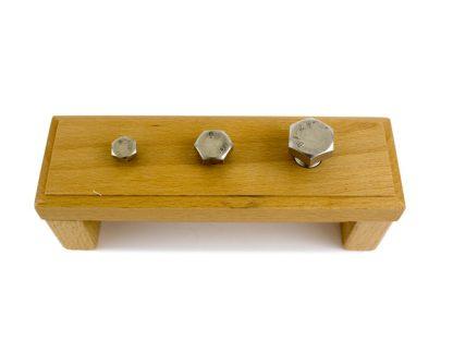 Barra de Tornillos-Material Montessori-vista frontal