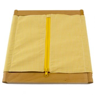El bastidor de cremallera grande es un material Montessori que se compone de un marco de madera con un bastidor de cremallera,vista frontal,foto redes sociales, mmm023