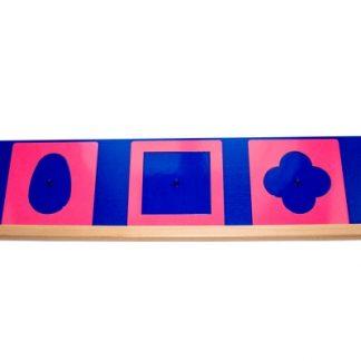 Los encajes metálicos Montessori son unas plantillas metálicas con las que el niño/a se inicia en la preescritura.