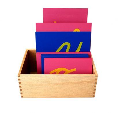 letras de lija con caja de madera-vista frontal-material montessori