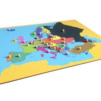 Este material consta de un puzzle de madera con diseño de Europa, para que los niños aprendan sus diferentes países. vista superior,foto redes sociales,mmm207
