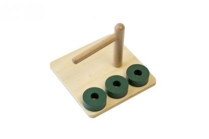 MMM011 - Cubos en clavija horizontal - Material Montessori - vista lateral derecha