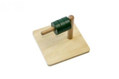 MMM011 - Cubos en clavija horizontal - Material Montessori - vista lateral derecha con los aros fuera