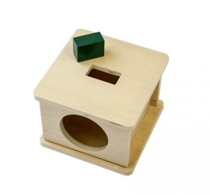 Caja con encaje de madera con prisma rectangular, Ayuda al niño a reconocer formas diferentes (Rectangular)- vista diagonal derecha superior - material montessori