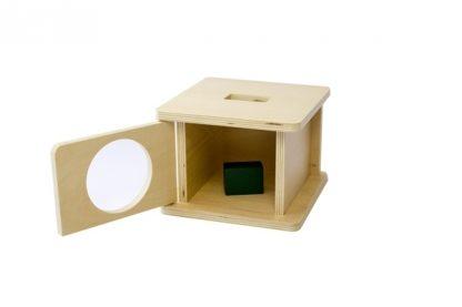 Caja con encaje de madera con prisma rectangular, Ayuda al niño a reconocer formas diferentes (Rectangular) - puerta abierta vista frontal - material montessori