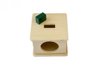 Caja con encaje de madera con prisma rectangular, Ayuda al niño a reconocer formas diferentes (Rectangular) - vista frontal superior - material montessori