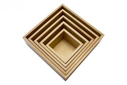 MMM021 - Caja de nido 5 cajas de madera- Material Montessori - vista diagonal superior