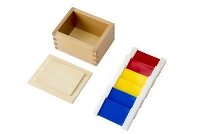 MMM068- Tabletas de color de plástico (1a caja) - Material Montessori - vista en diagonal