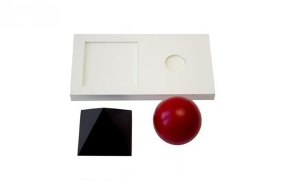Sólidos con bandeja. - Material Montessori