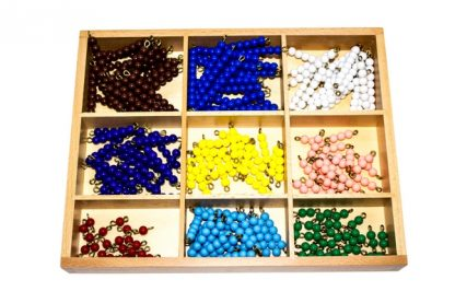 Caja de perlas para tablero ajedrez - Material Montessori-vista frontal