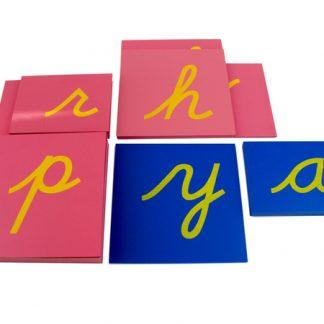 letras de lija en cursiva-vista frontal-material montessori