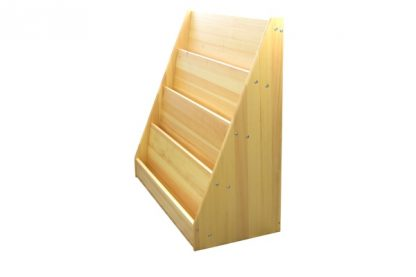 Este material consta de una estantería para libros con 4 estanterias para colocarlos y está hecha de madera maciza de pino.
