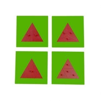 Este material se compone de cuatro tableros metálicos de color verde que incluyen formas triangulares de color rojo 1 entero y 3 que se dividen en partes más pequeñas,vista superior,foto redes sociales,mmm115