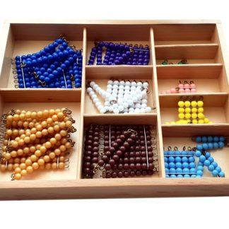 caja de perlas pequeñas de madera-material montessori